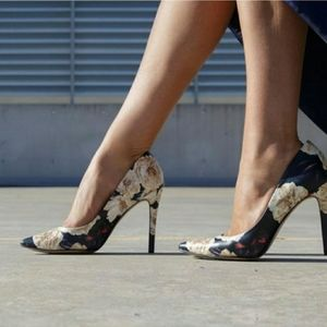 Nine West Floral flower pointed toe pump heels